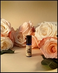 ROSE MALLOW CREAM PERFUME OIL 5 ml - Moroccan Rose absolute, Bulgarian Rose absolute, Marshmallow Fluff, Strawberry Nectar, White Chocolate, Vanilla, White Musk
